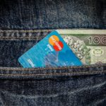 שימוש במזומן או בכרטיס אשראי? בחינה באמצעות הכלכלה ההתנהגותית